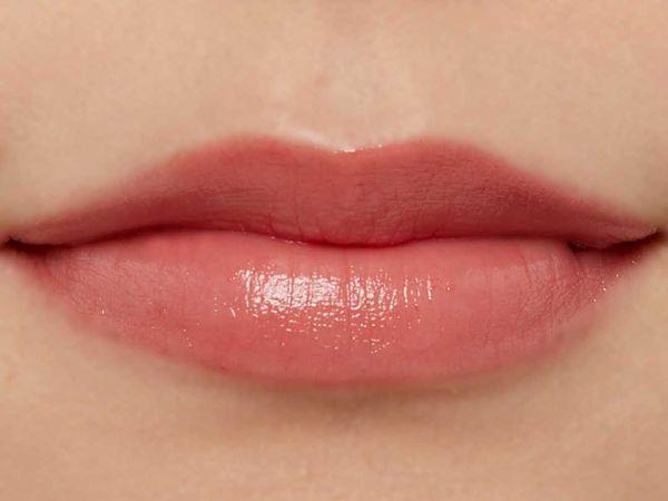 高発色、高保湿の万能リップ『グレイズバームリップ』のGB06 ショコラベリーをご紹介に関する画像21
