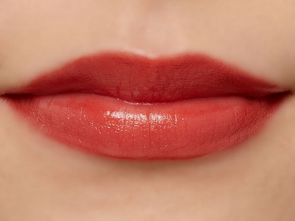 高発色、高保湿の万能リップ『グレイズバームリップ』のGB06 ショコラベリーをご紹介に関する画像13