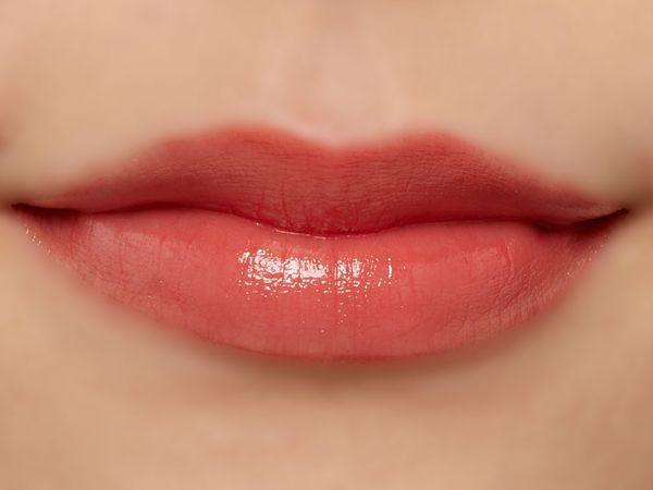 高発色、高保湿の万能リップ『グレイズバームリップ』のGB06 ショコラベリーをご紹介に関する画像33