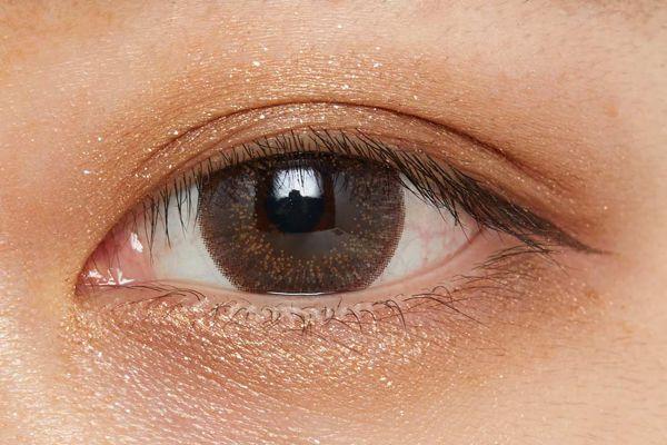 濡れたようなツヤを叶え、まぶたに密着!柔らかなブラウンが立体感を演出するクリームアイシャドウに関する画像22