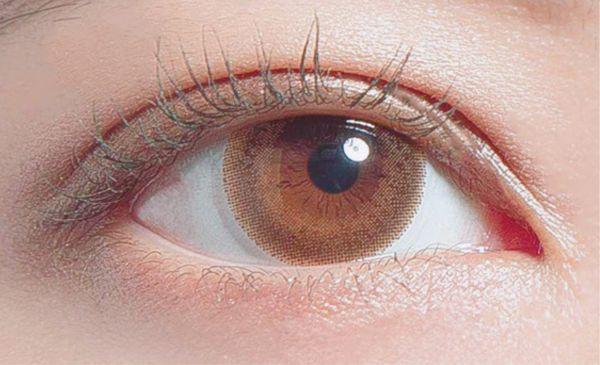 Decorative Eyes Veil(デコラティブアイズ ヴェール)『デコラティブアイズ ヴェール ワンデー ベイビーメープル』の使用感をレポ!に関する画像4