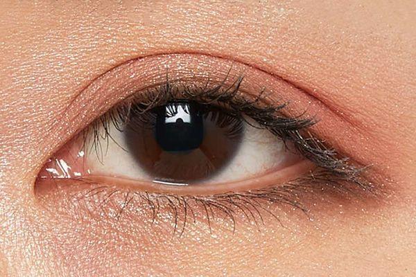 しっとり質感でまぶたに密着!透明感あふれるピュアな目元に仕上がるフラワーバレッタをご紹介に関する画像20