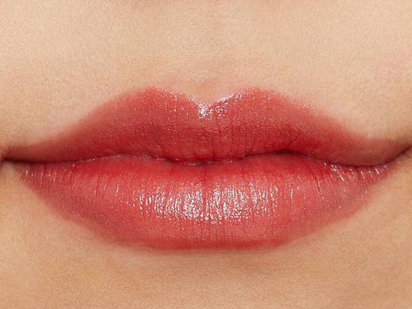 大人気!ちふれ『口紅 517 レッド系パール』の使用感をレポに関する画像7