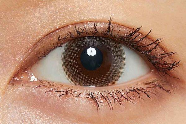 色素薄めの愛されニュアンスeyeになれる『ルミアモイスチャー』のクォーツブラウンに関する画像10