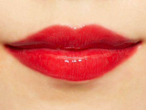 潤いたっぷりのふっくら唇に Lipaddict 208 ラズルダズルに関する画像52