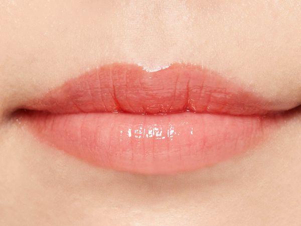 """SNSで話題の""""キス顔リップ""""♡ プランプピンクのコーラルオレンジをご紹介に関する画像32"""