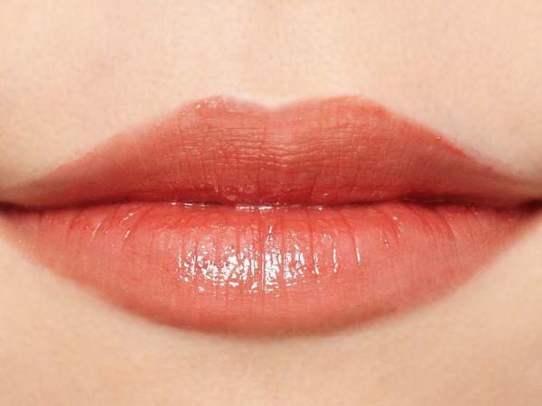 """SNSで話題の""""キス顔リップ""""♡ プランプピンクのコーラルオレンジをご紹介に関する画像49"""