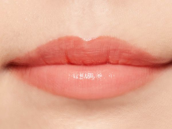 """SNSで話題の""""キス顔リップ""""♡ プランプピンクのサニーレッドをご紹介に関する画像32"""