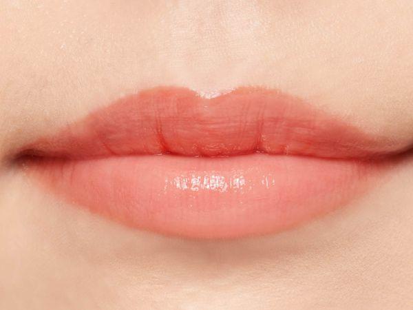 "SNSで話題の""キス顔リップ""♡ プランプピンクのテラコッタブラウンをご紹介に関する画像32"