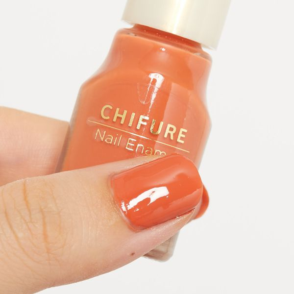 くすみオレンジでこなれ感のある手元に! ちふれの『ネイル エナメル 444 オレンジ系』をご紹介に関する画像7
