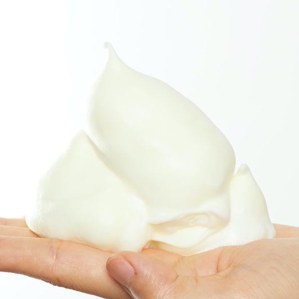 大人気のモッチスキン 吸着泡洗顔シリーズの数量限定レモンをレポに関する画像7