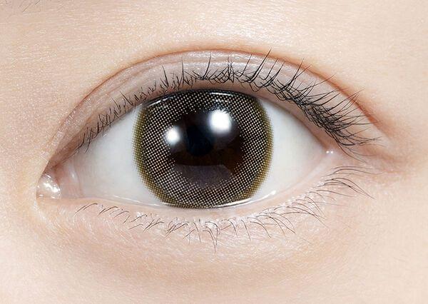 恋する女性の瞳に輝きを!feliamo(フェリアモ)『フェリアモワンデー エアリーベージュ』の使用感をレポに関する画像7