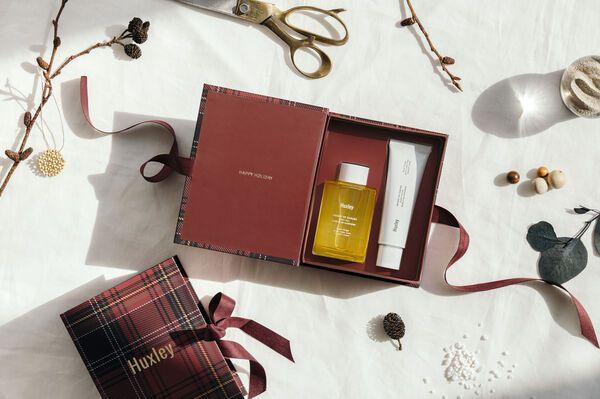 上質なボタニカルな香りのHuxley(ハクスリー)『ホリデーコレクション;ハンドアンドボディ』をご紹介に関する画像1