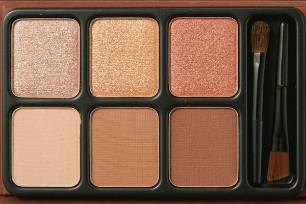 heme(ヒーミー)『アイカラーパレット ブラウンティー』の色味をレポに関する画像8
