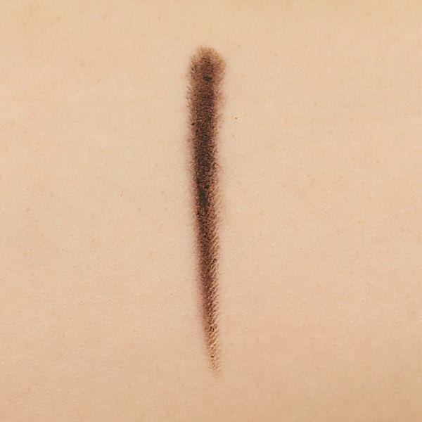 肌になじむ自然なカラーで柔らかい印象に仕上がる。CANMAKE(キャンメイク)『アイライナーペンシル 02 ナチュラルブラウン』をご紹介に関する画像10