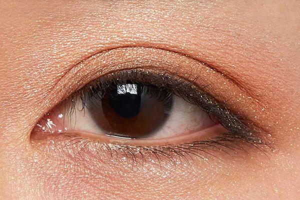 肌に溶け込むシースルー発色!王道ナチュラルブラウンに関する画像22