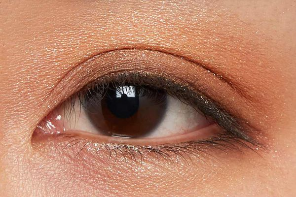 肌に溶け込むシースルー発色!フェミニンでクールなカラー  に関する画像26