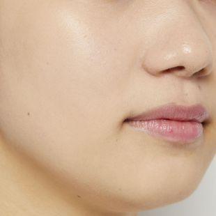 VT cosmetics ブラックフィックスオンCCクッション 21 アイボリー 12g SPF22 PA++ の画像 1