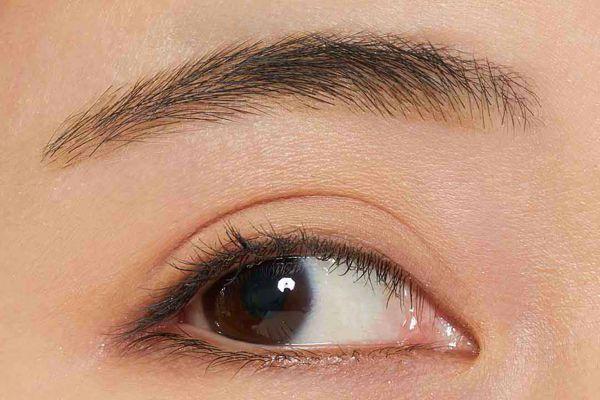VT cosmeticsのアイブロウウードペンシル 01 オリーブブラウンに関する画像2