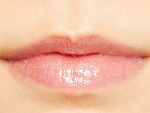 レブロンのキス グロウ リップ オイル 104 グロウダップローズ 限定色に関する画像2