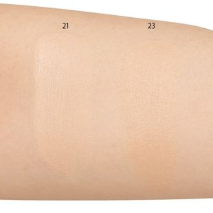 AGE 20's エッセンスカバーパクトオリジナルホワイトラテ 21 ライトベージュ 12.5g SPF50+ PA+++ の画像 2