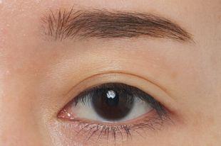 リンメル プロフェッショナル 3Dブロウ マスカラ 001 なじみながら眉毛が際立つナチュラルブラウン 5.5ml の画像 1