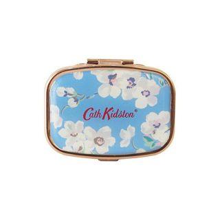 キャス・キッドソン キャス・キッドソン リップバームコンパクト 本体 ブロッサム 6g 甘いキャンディの香りの画像