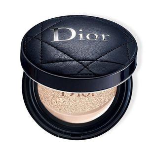 ディオール ディオール Dior ディオールスキン フォーエヴァー クッション 0N ニュートラル(ケース付)の画像