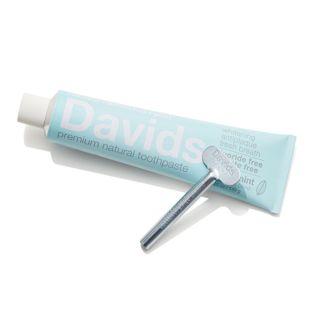Davids ホワイトニングトゥースペースト スペアミント 149g(チューブ絞り付き)の画像