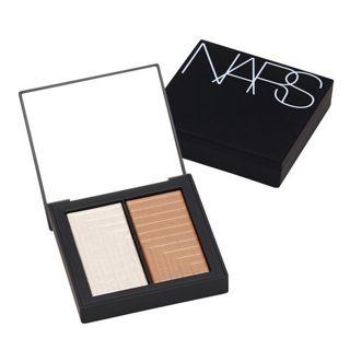 NARS デュアルインテンシティーブラッシュ 5504 オパールのような輝きのピンクハイライト、つややかなブロンズ 6gの画像