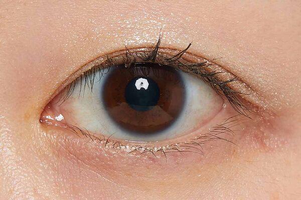 『ミシャ グリッタープリズム シャドウ』のパーソナルカラー別おすすめカラーをチェック!【イエベ・ブルベ別】の画像