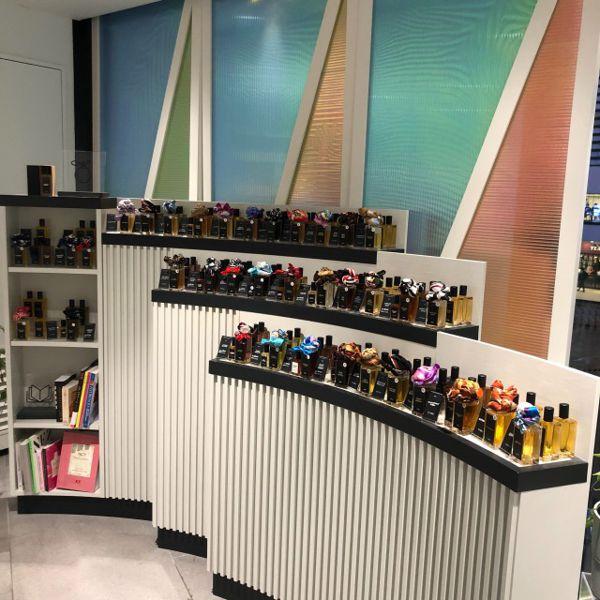 「LUSH(ラッシュ)」パフューム調香師たちが生み出す香水のこだわり。自分にぴったりなものが選べる!の画像