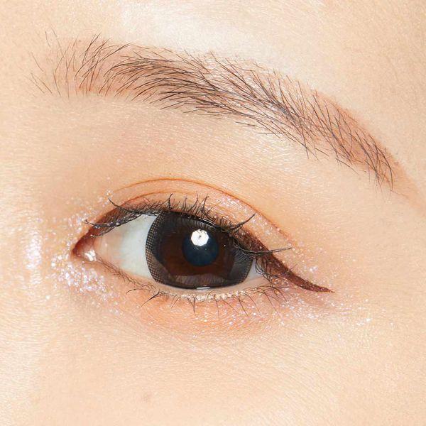 グリッターアイシャドウって?涙袋メイクや使い方、おすすめ韓国ブランドも紹介!の画像