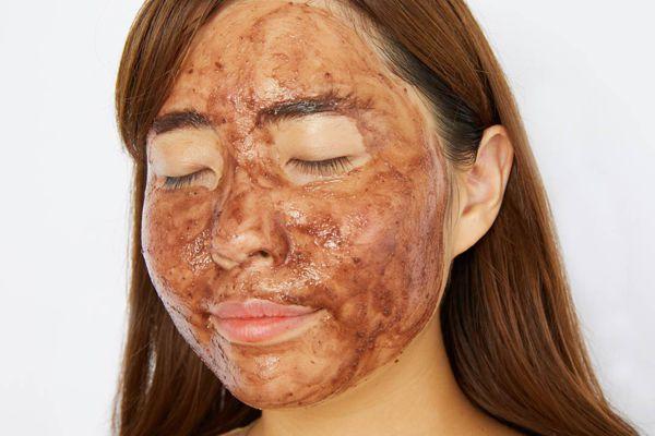 化粧したまま寝ちゃった! 肌をきれいに保つために次の日に必ずやってほしいレスキューケア【医療監修】の画像