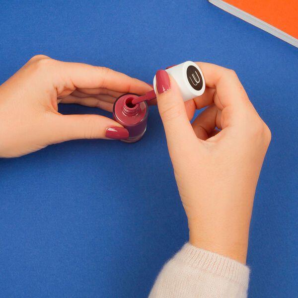 冬ネイルにおすすめの色と簡単にできるセルフネイルデザイン5選紹介! の画像
