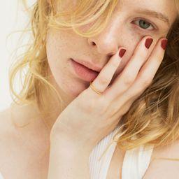 美容のプロもゾッコン!塗るだけで指先がおしゃれになるrihka (リーカ )のネイルポリッシュの画像